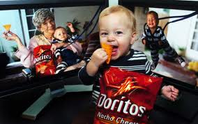 family-eating-doritos